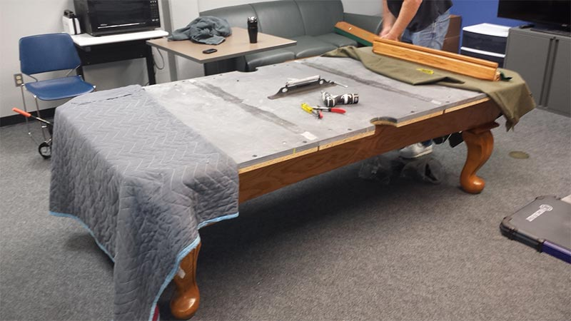 Assembly And Refelt On An Connelly Pool Table At The Air Force - Reclothing pool table