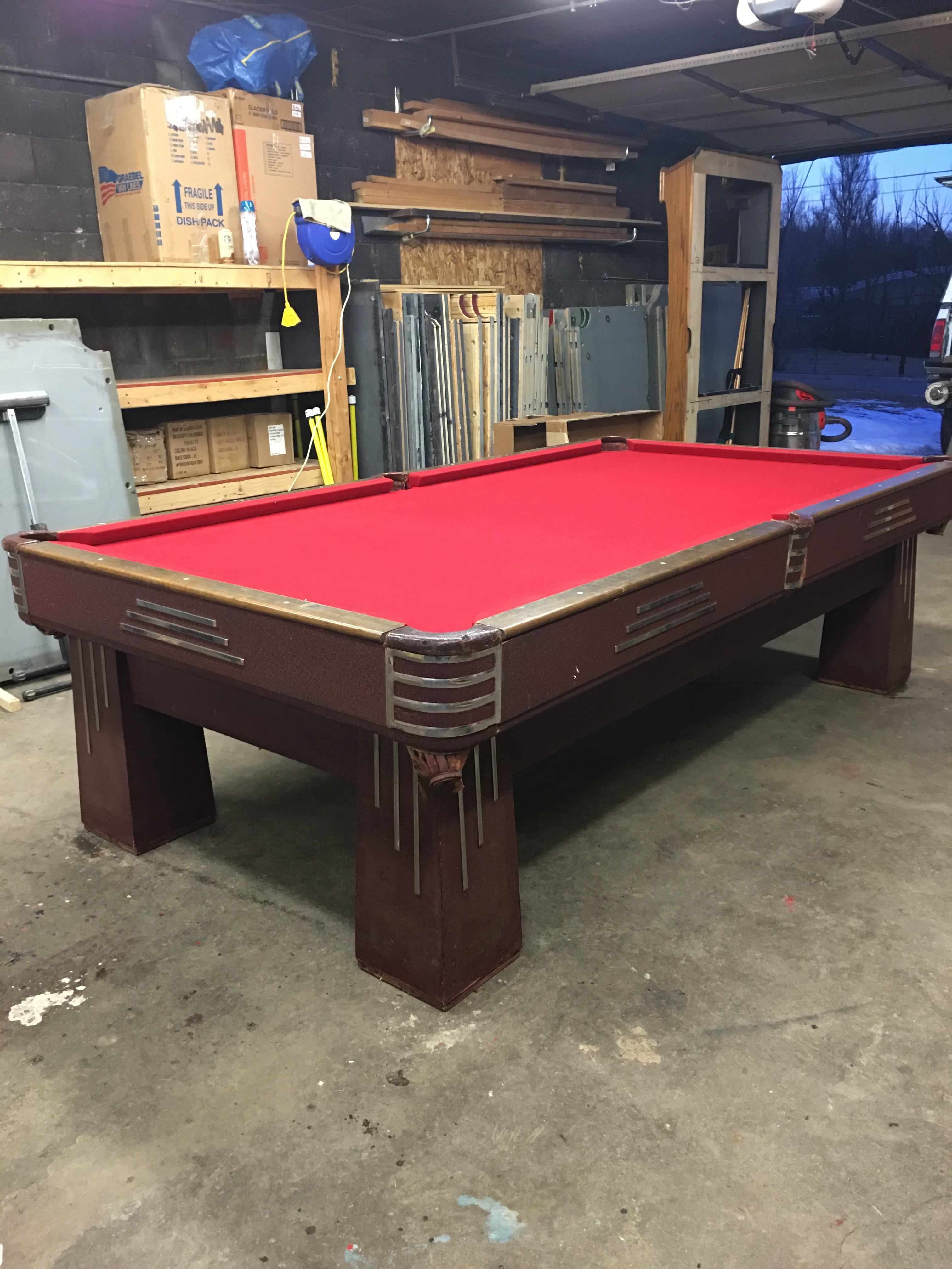 9u0027 Antique Brunswick Challenger Pool Table. Great Condition. MADE IN USA!